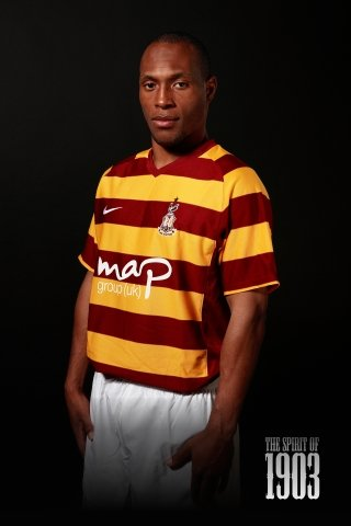 New-Bradford-City-Kit-2012-13.jpg